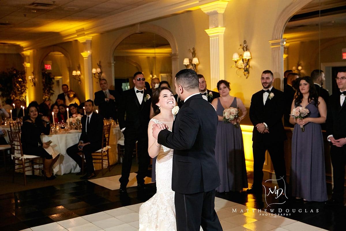 winter-wedding-at-the-bernards-inn-16