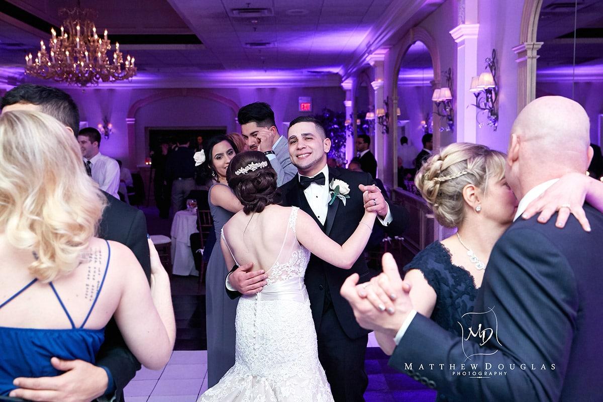 winter-wedding-at-the-bernards-inn-18