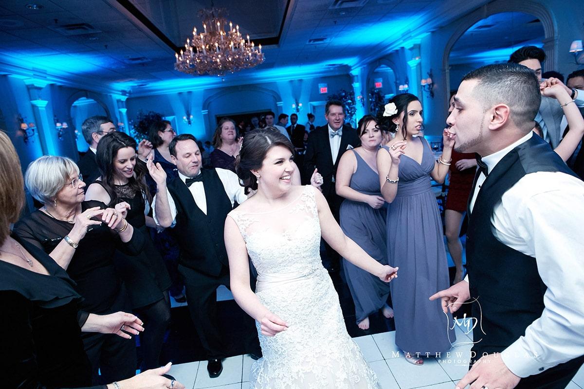 winter-wedding-at-the-bernards-inn-20