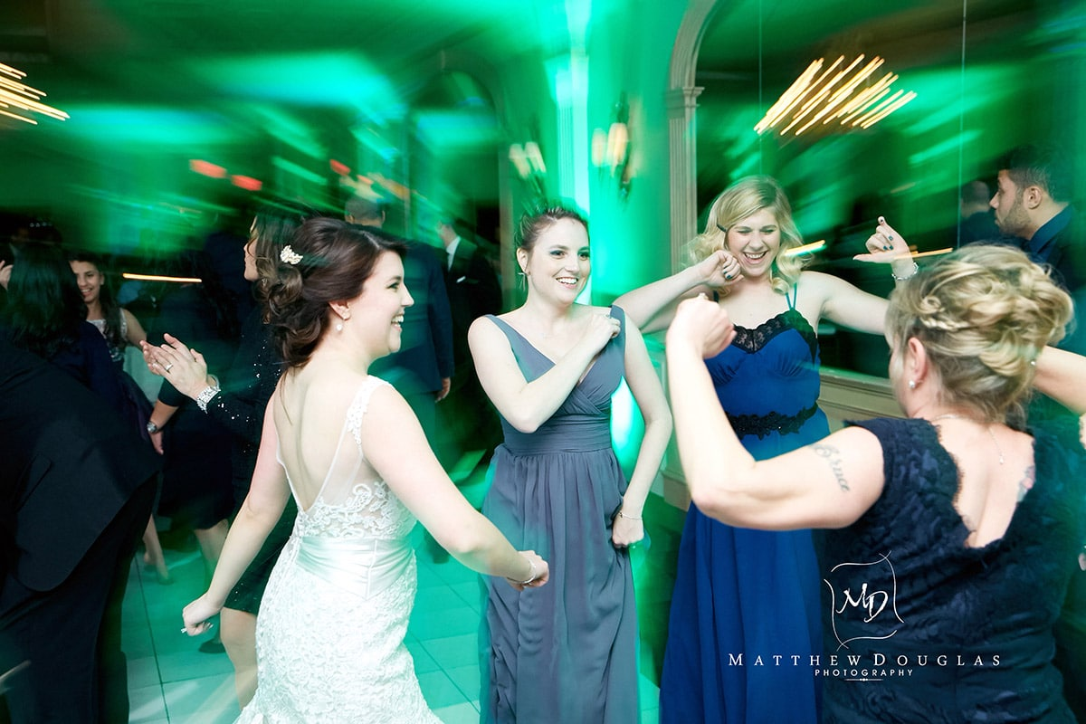 winter-wedding-at-the-bernards-inn-22