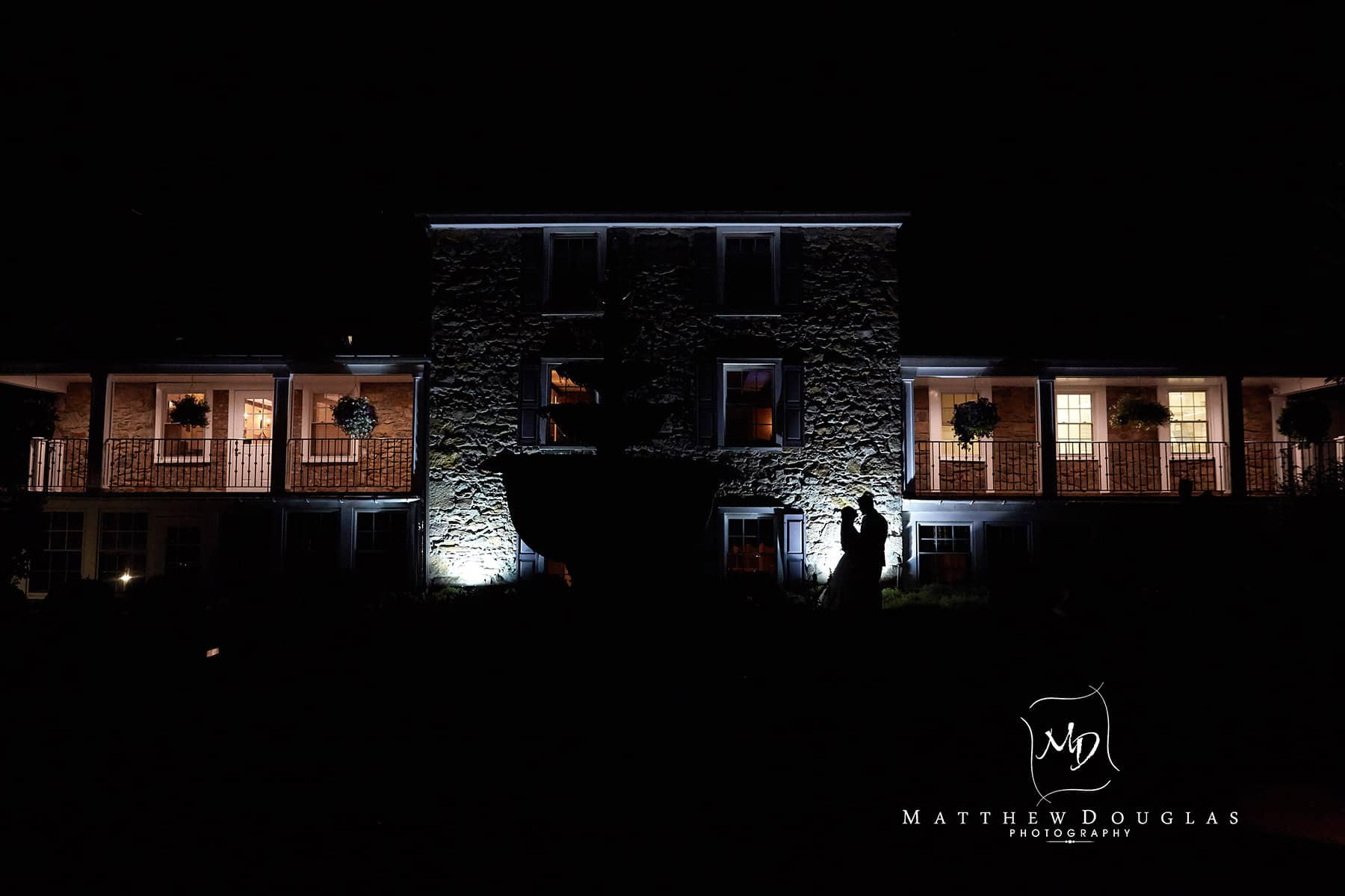 wedding silhouette at the farmhouse at the grand colonial