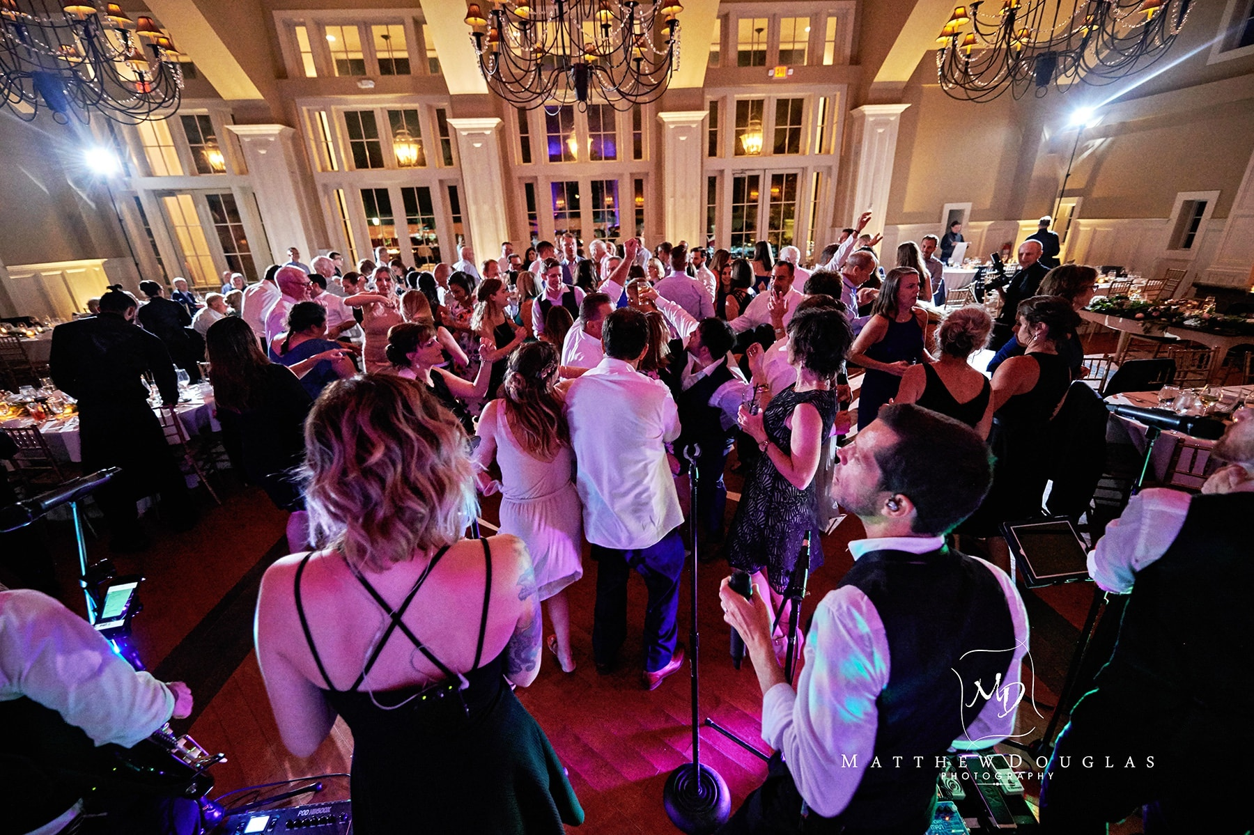 ryland inn wedding packed dance floor