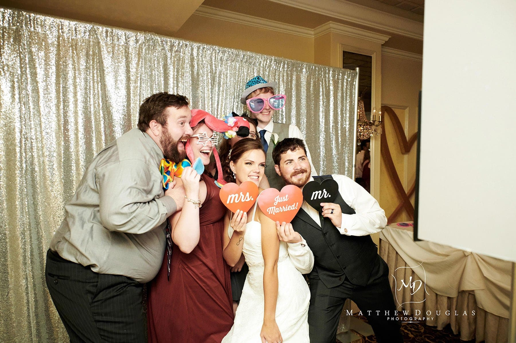 olde mill inn wedding photobooth