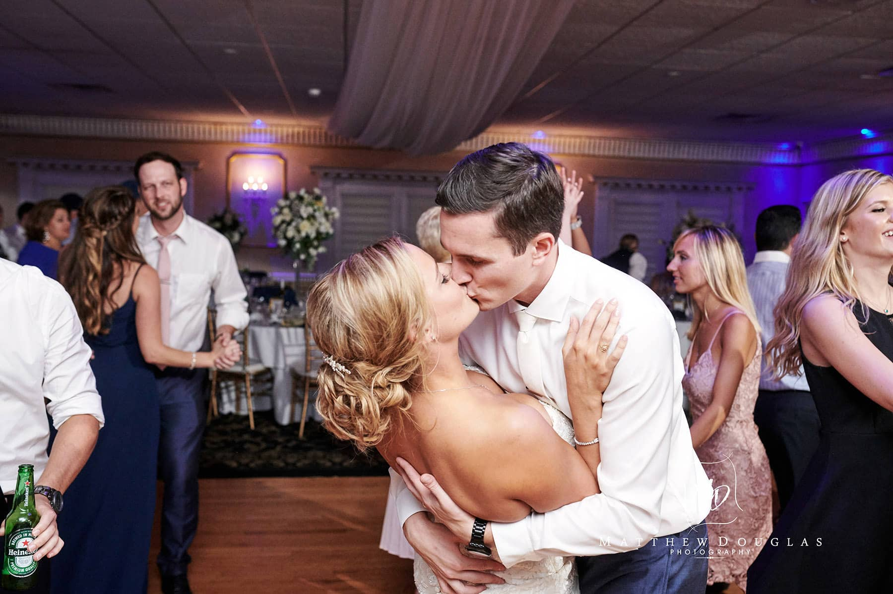 Chandelier Flanders Valley Wedding dance floor kiss photo