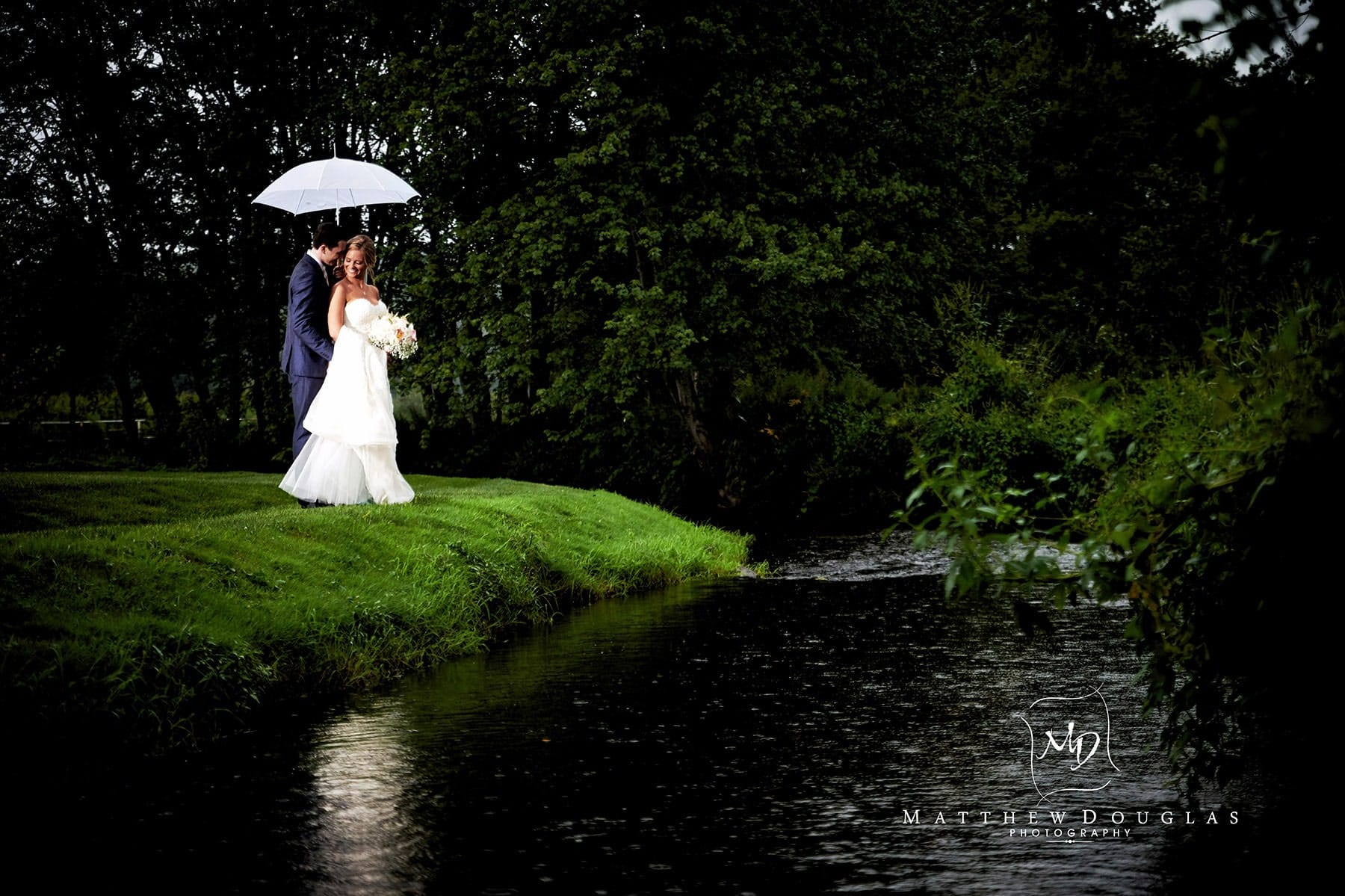 romantic rainy day wedding photo