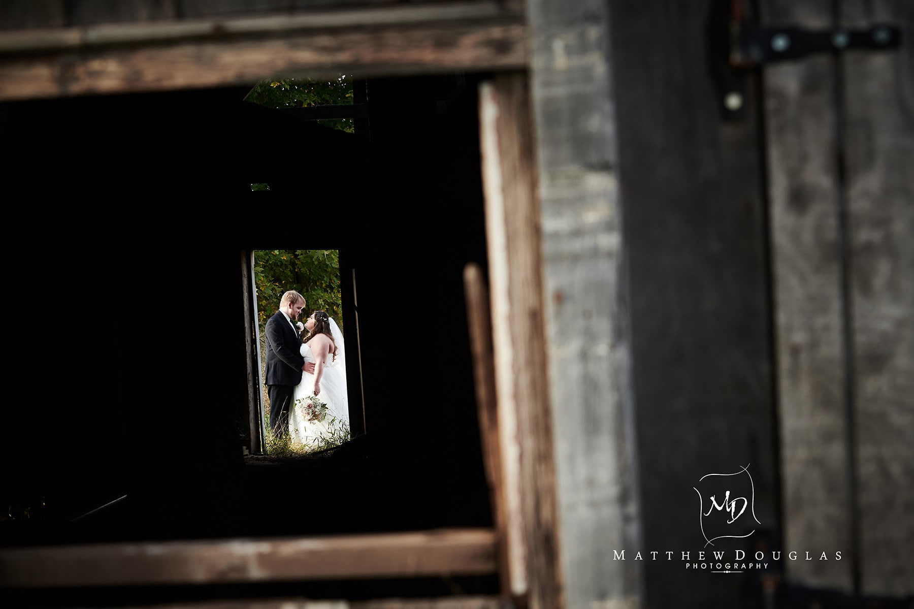 neshanic valley golf course wedding barn photo
