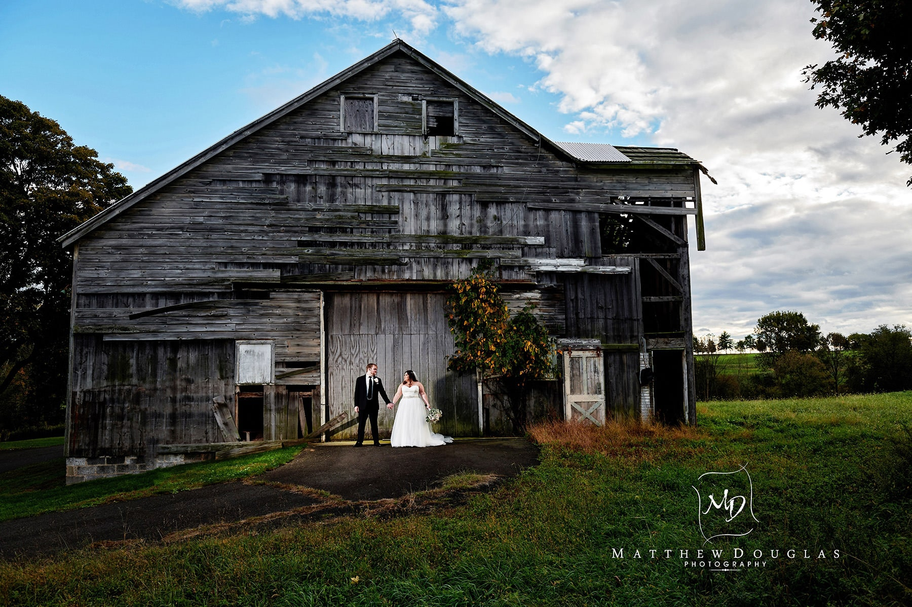 neshanic valley golf course wedding epic barn