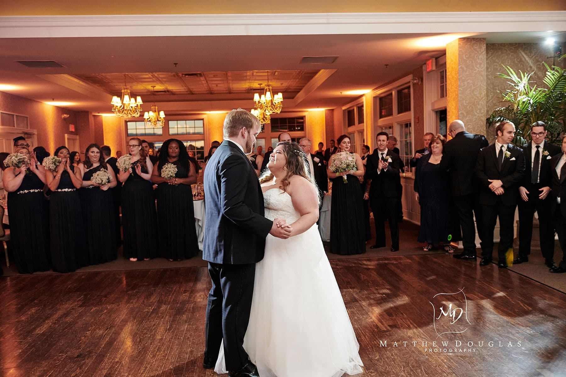 neshanic valley golf course wedding first dance photo