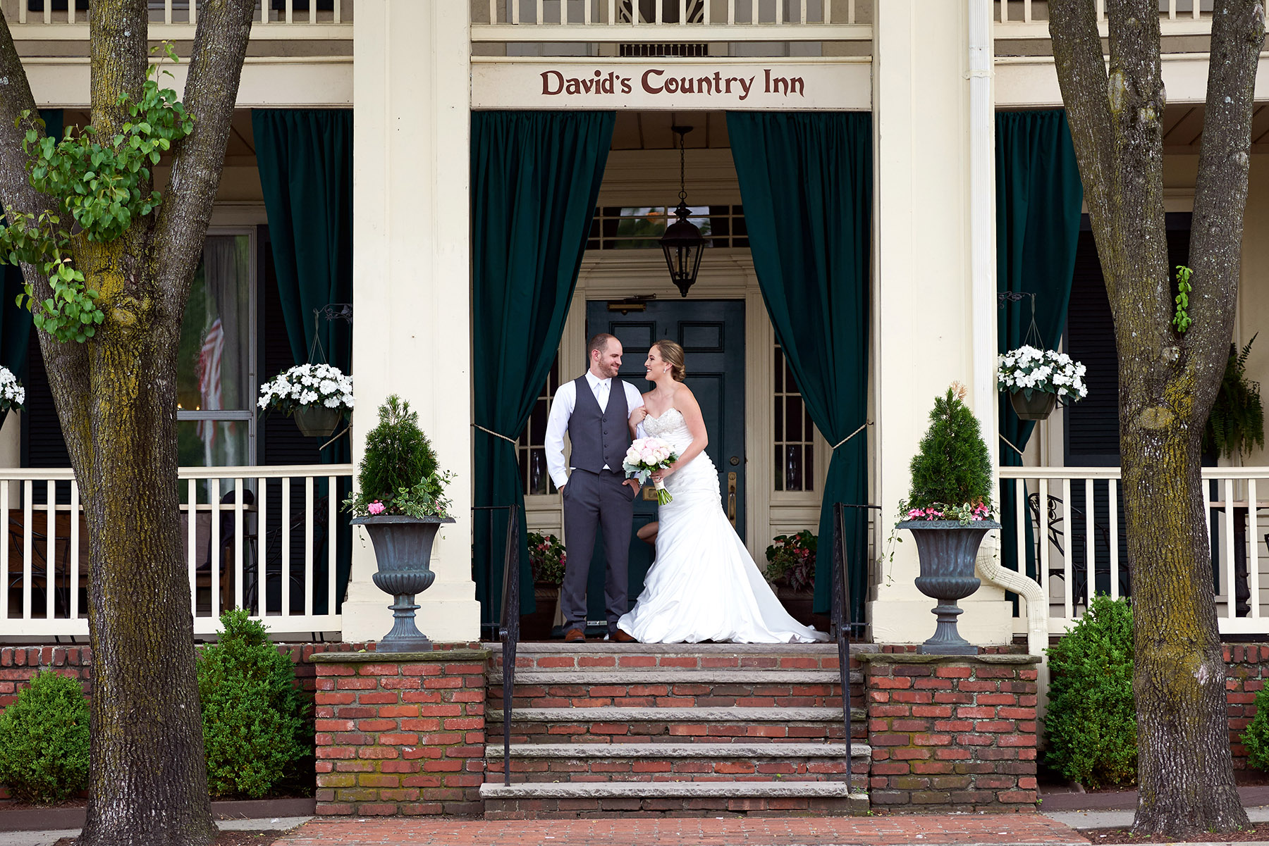 Davids Country Inn wedding photos