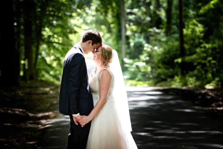 maskers barn wedding photo