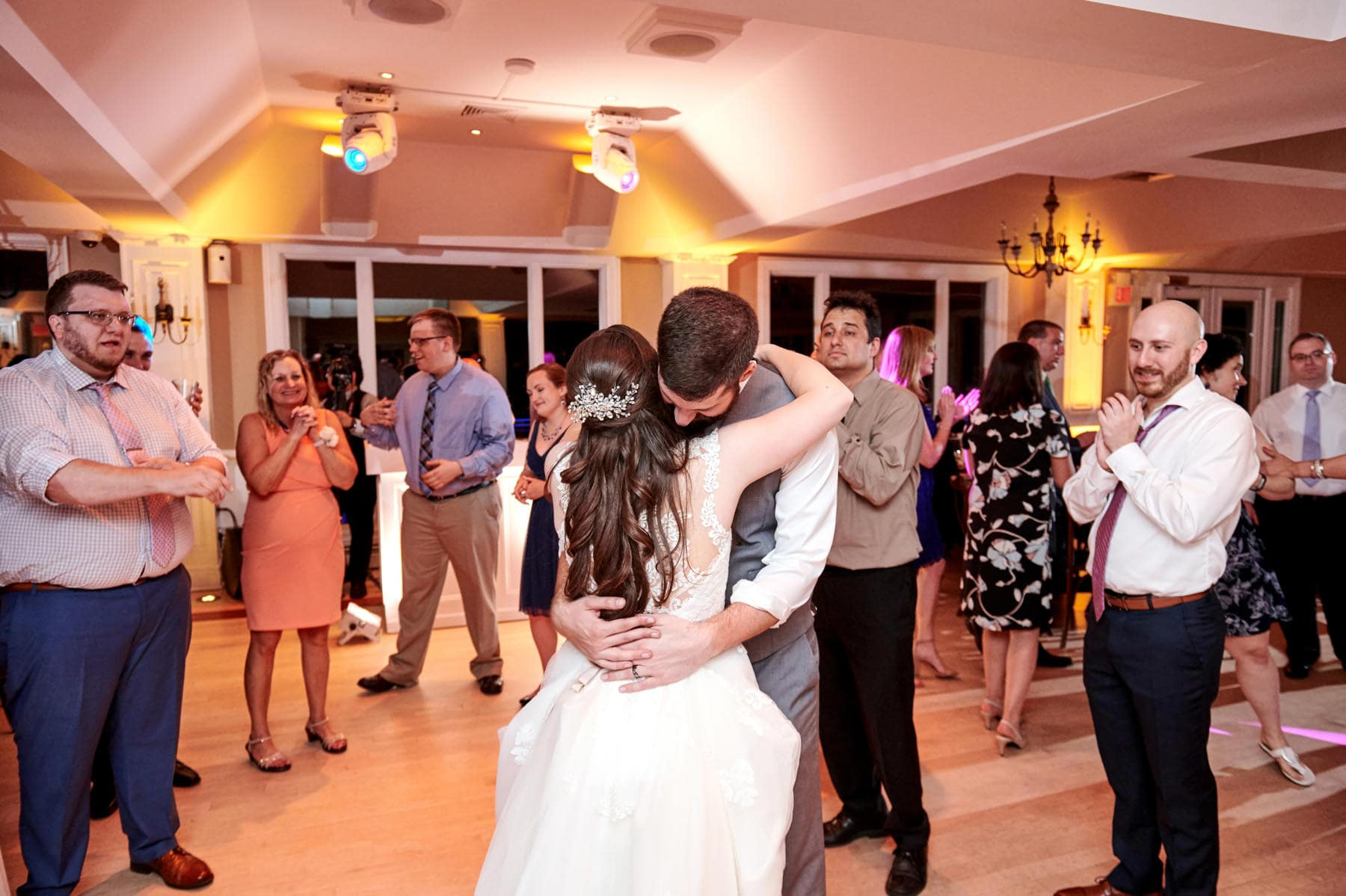 Rock Island Lake Club wedding last dance of the night