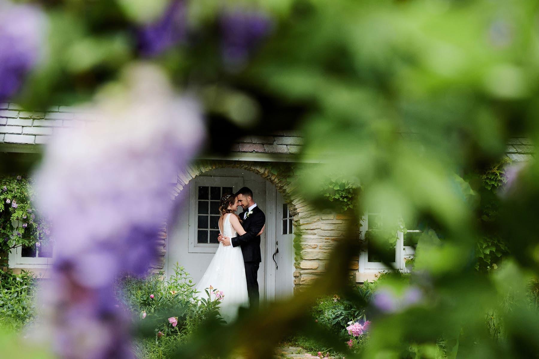 colonial park rose garden wedding photo